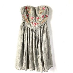 Tobi large gray red floral lace strapless dress